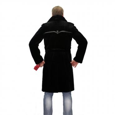 Пальто из бобрика с английским воротником